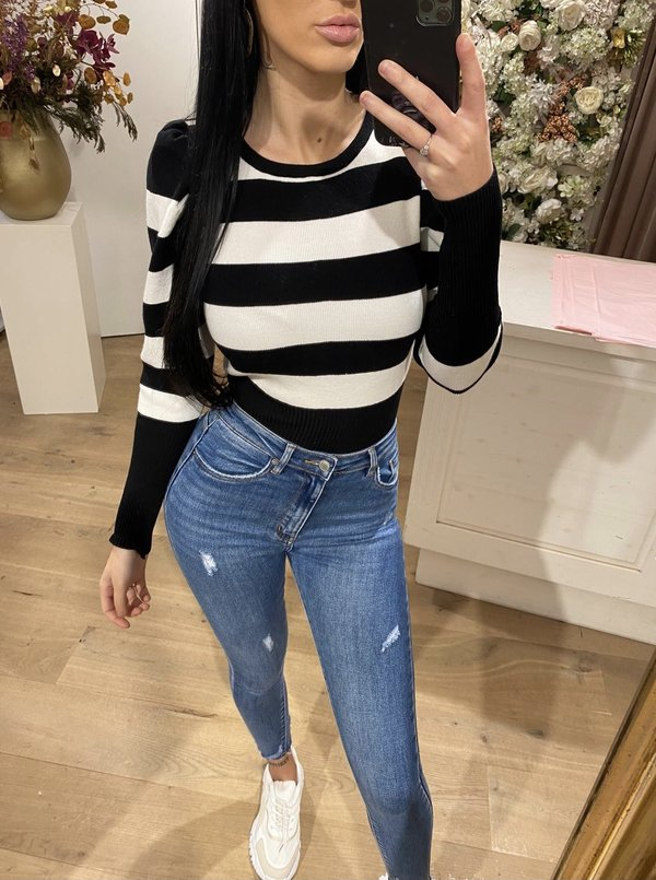 Striped top black & white