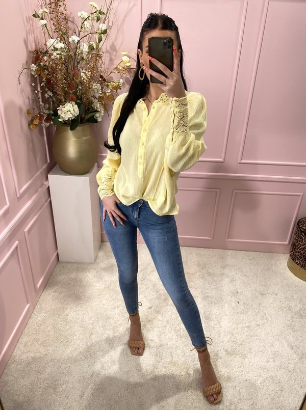 Lacey blouse yellow