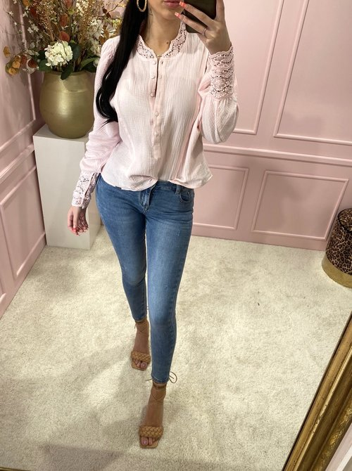 Lacey blouse pink