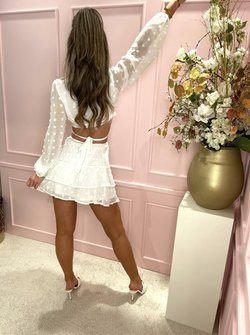 White dotted set