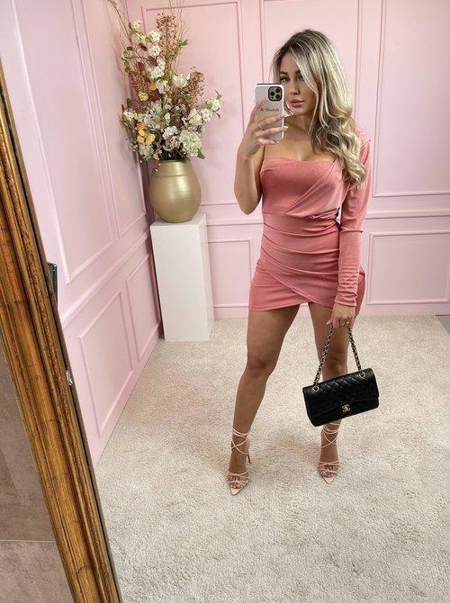 One shoulder dress rose