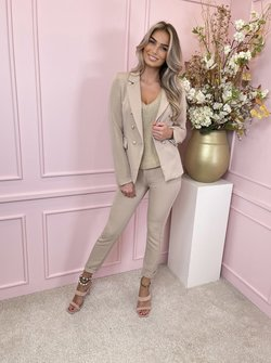 Suit belted beige