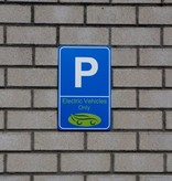 "Parkschild ""EV Only"""