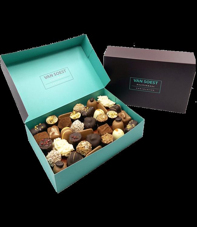 BOX OF CHOCOLATES 1KG