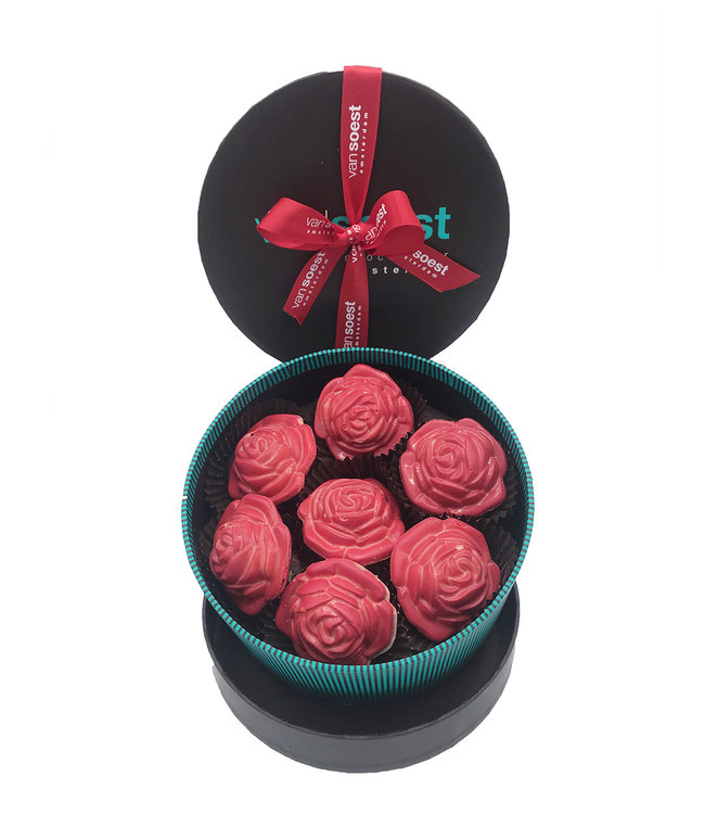 LUXURY BOX WITH CHOCOLATE ROSES