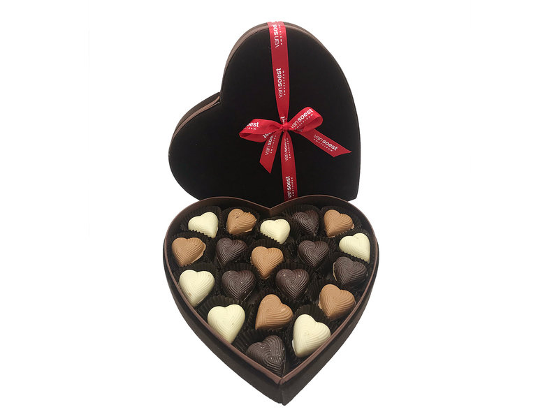 HEART LARGE WITH CHOCOLATE HEARTS