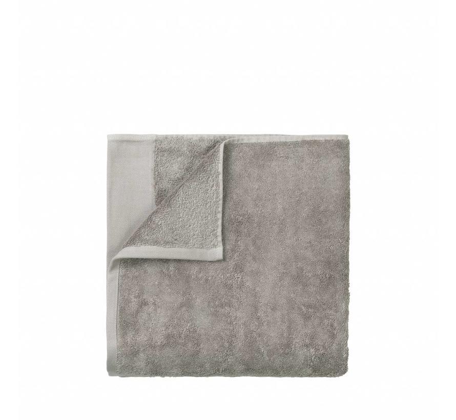 Handdoek RIVA 50x100 cm kleur Satellite 700 gr/m² (69126)