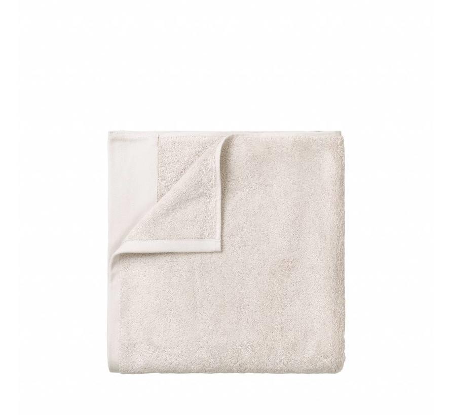 Handdoek RIVA 50x100 cm kleur Moonbeam 700 gr/m² (69125)