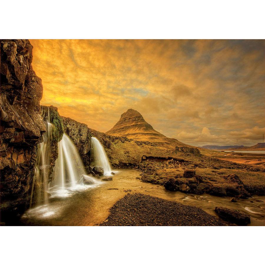 De waterval Kirkjufellsfoss in IJsland  - 1000 stukjes-2
