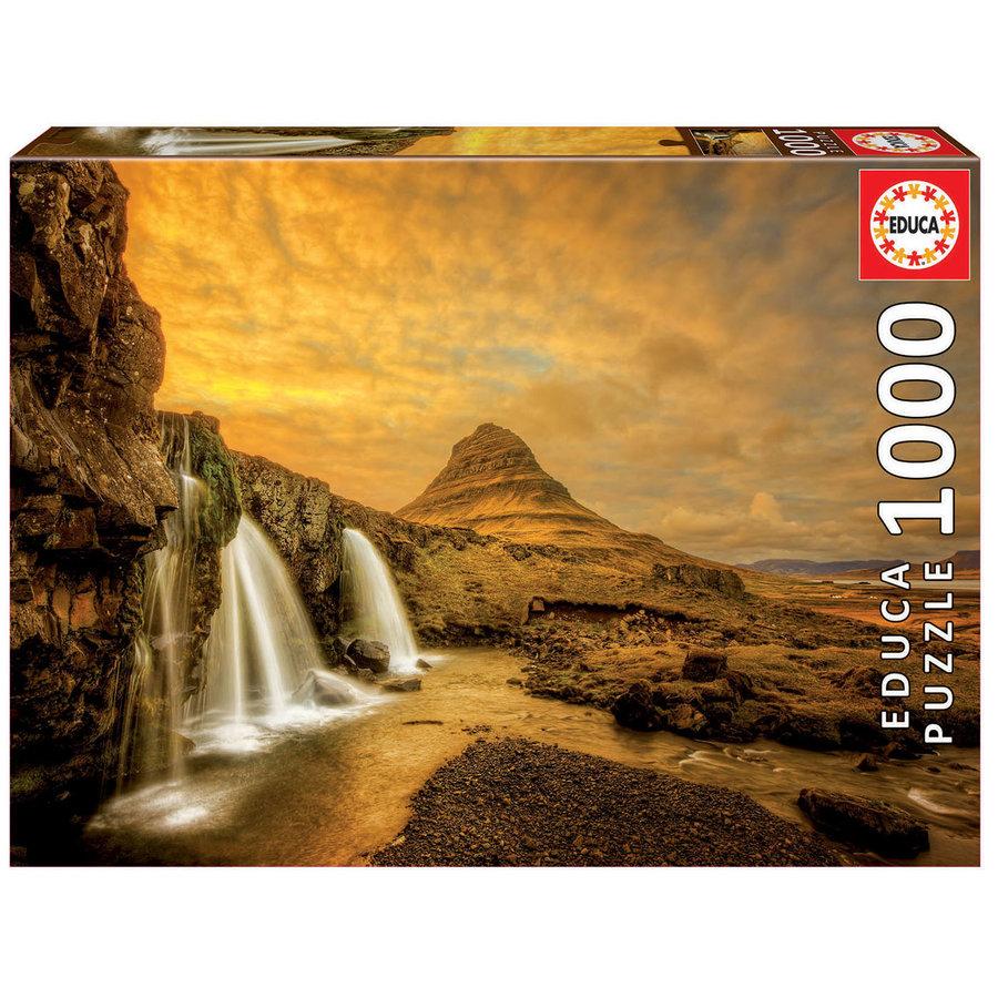 De waterval Kirkjufellsfoss in IJsland  - 1000 stukjes-1