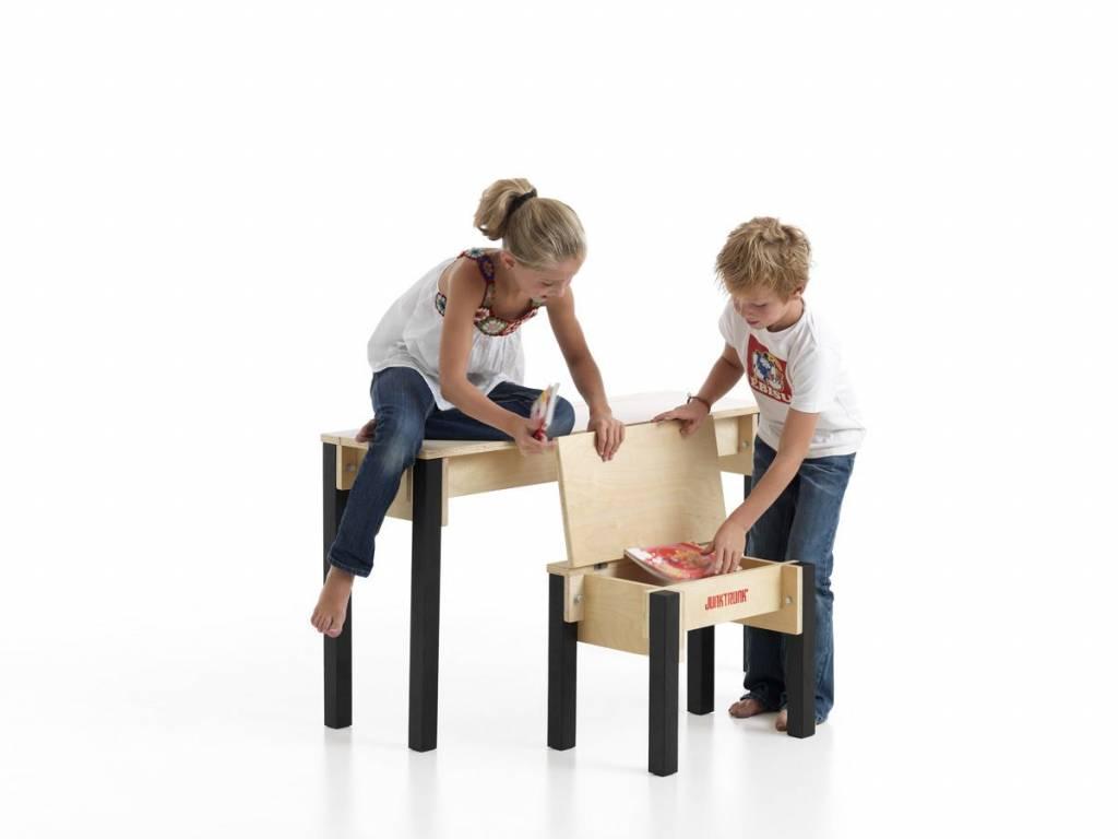 Houten kindermeubels met handig opbergsysteem