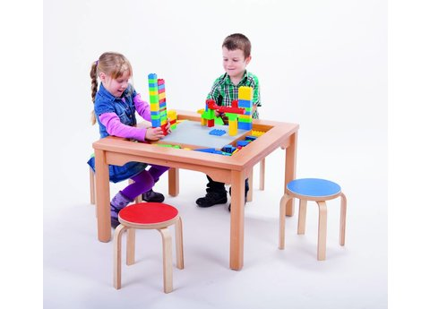 DUPLO Tafel met stoelen