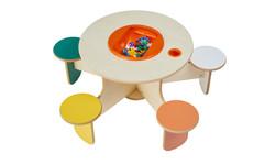 Speeltafel met stoelen