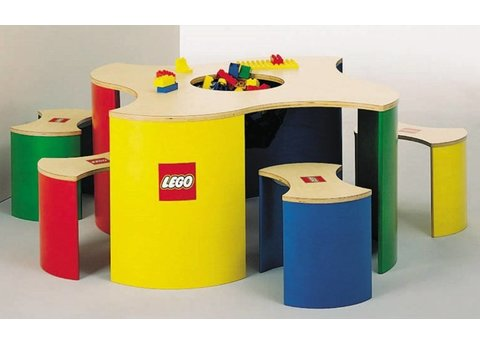 LEGO Speeltafel met vier krukjes