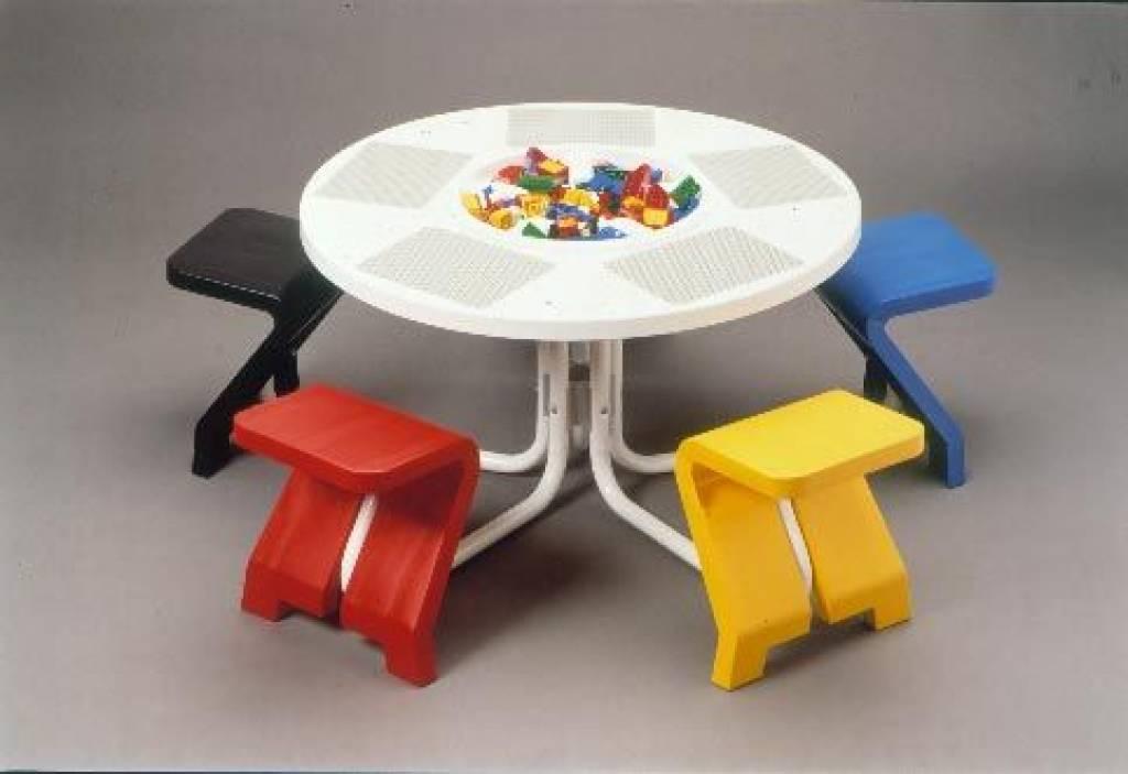 Ronde Lego Tafel.Tweedehands Lego Tafel Met 5 Zitjes