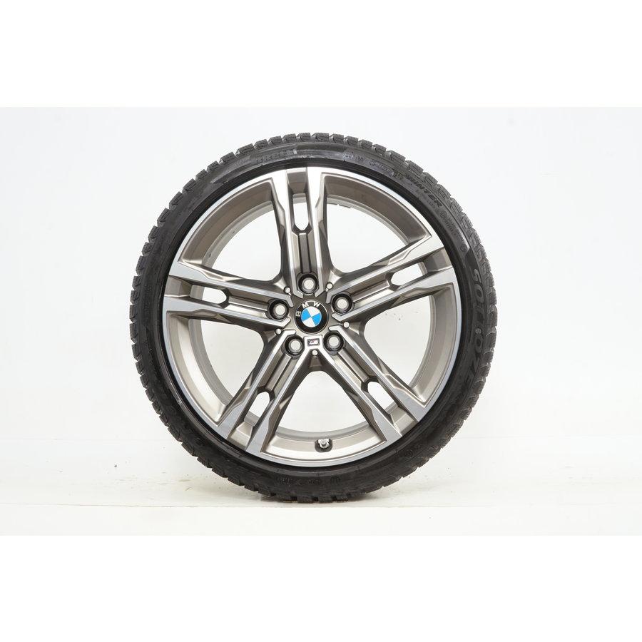 BMW BMW 1 serie F40 F41 2 serie Gran Coupe 18 inch 556M velgen + Winterbanden Pirelli 8MM Runflat Origineel
