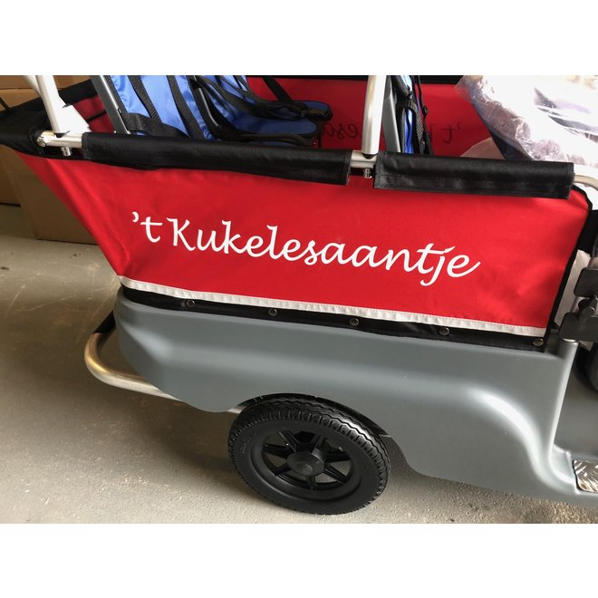 Uw logo op doek achterzijde Kiddybus