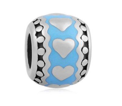 Bedels en Kralen Bedel hartjes in blauw zilverkleurig voor bedelarmbanden