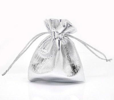 cadeauzakje zilverkleurig