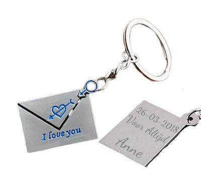 Sleutelhanger Graveren Sleutelhanger envelop ''I love you''- blauw zilverkleurig