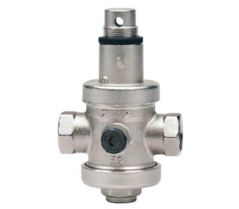 Water pressure reducing valve with pressure gauge