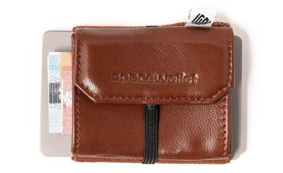 Space Wallet Pull Grizzly