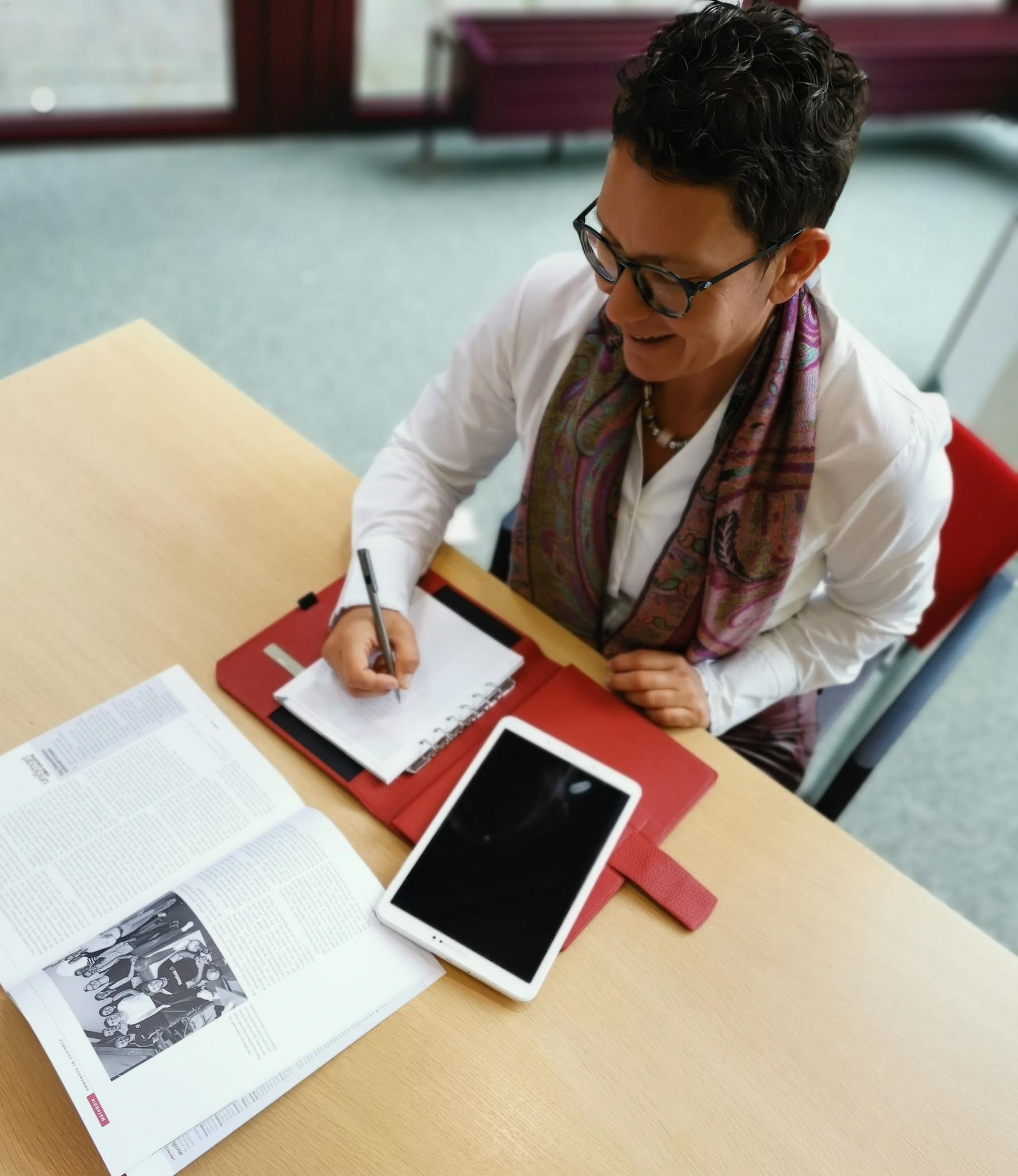 """Ledermappe """"Office Tablet"""" - Karminrot"""