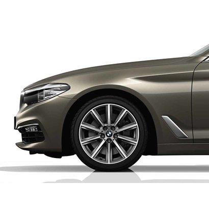 """BMW BMW Winterwielset 5 Serie G30/G31 17"""" V-Spaak 684"""