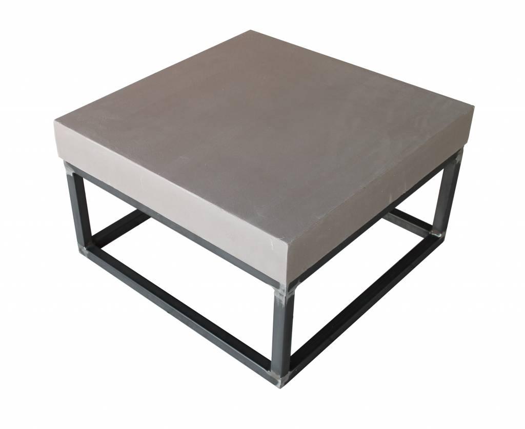 Betoncouchtisch Stahlgestell