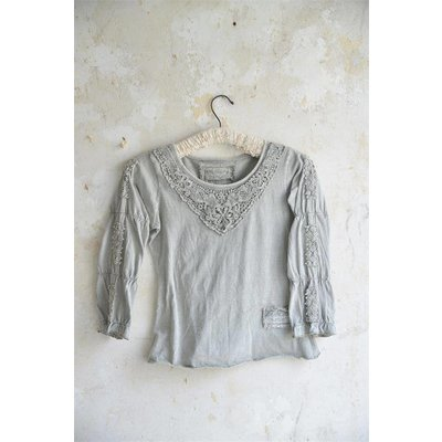 Jeanne d'Arc Living Blouse- Charming truth