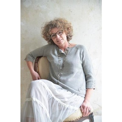 Jeanne d'Arc Living Blouse- Purely devoted- light grey