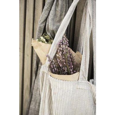 IB Laursen Blumenstrauß in Kraftpapier lilatöne von IB Laursen