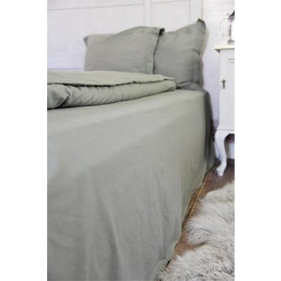 Jeanne d'Arc Living Bed sheet with cape, Monogram, Green oder Brown von Jeanne d'Arc Living