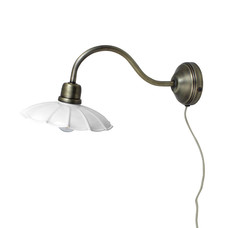 Strömshaga Wall Lamp Gustav White/Antique Brass