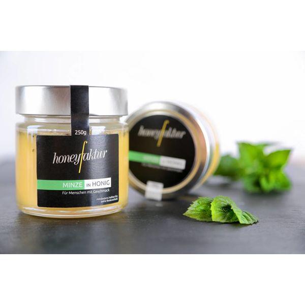 Minze in cremigem Blütenhonig - Honigspezialitäten von honeyfaktur
