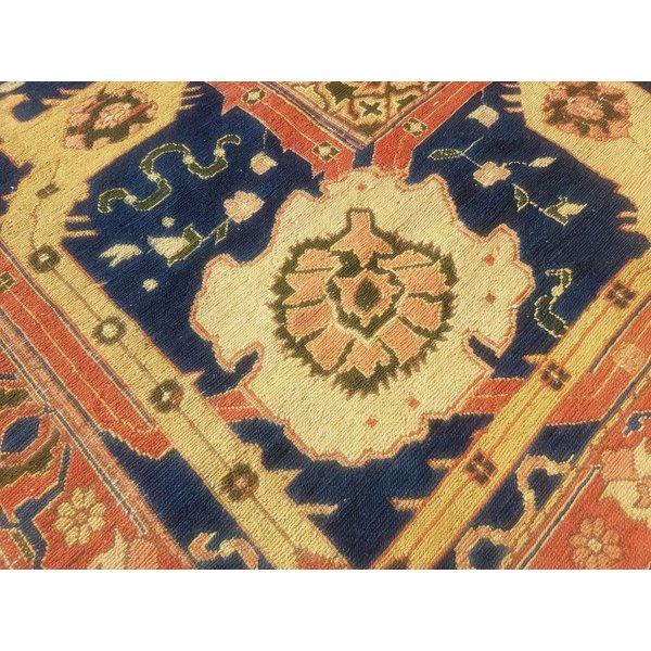 Handwoven Sumak kilim rug 400x296 cm