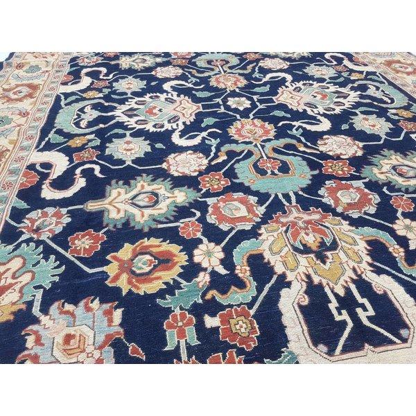 Handwoven Sumak kilim rug 362x260 cm