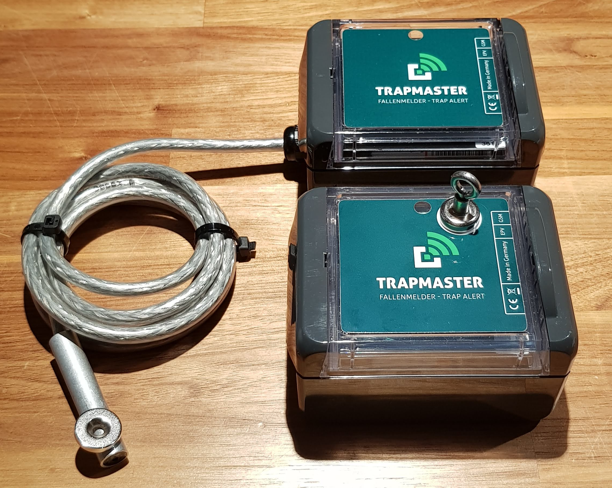 Fallenmelder TRAPMASTER Standard und Neo nebeneinander