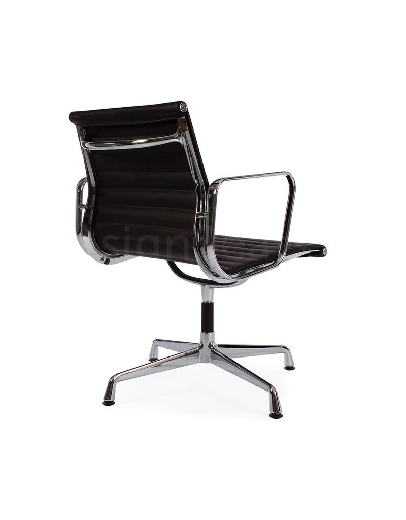 EA107 Eames Conferentiestoel Leer zwart