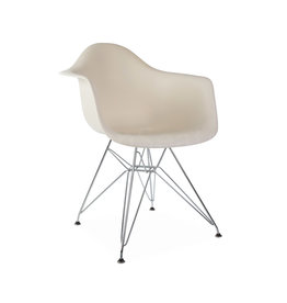 DAR Eames  Chair Off white
