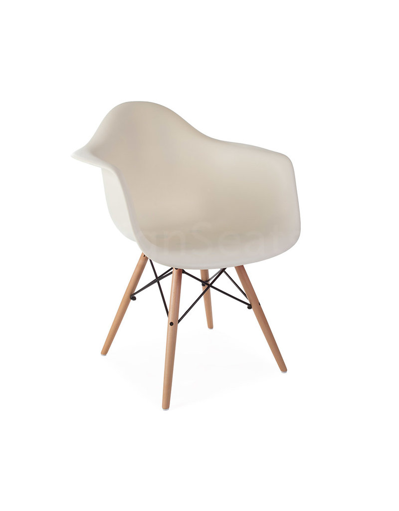 DAW Eames Design Stoel Gebroken wit