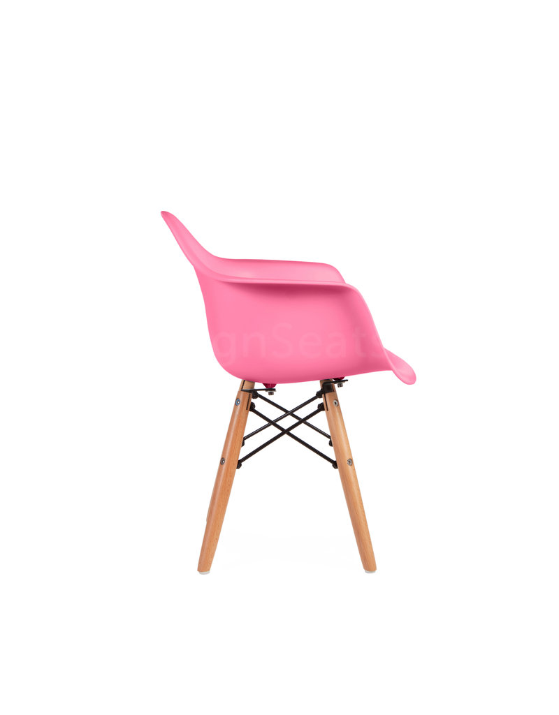 DAW Eames Kinderstoel Zuurstok Roze