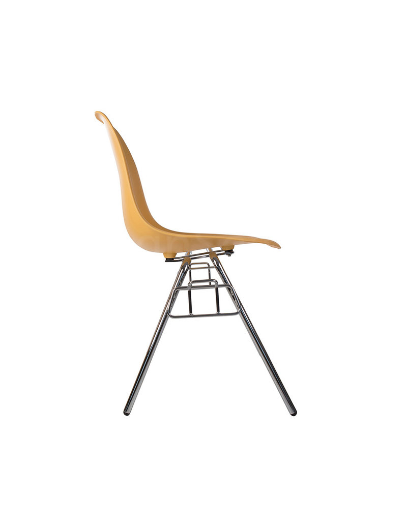 DSS Eames Design Stacking chair Light Terra
