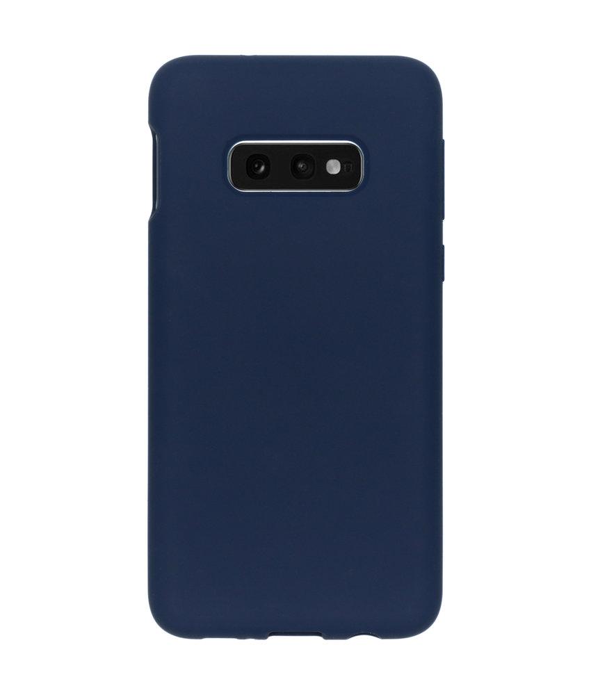 Accezz Liquid Silicone Backcover Samsung Galaxy S10e - Blauw