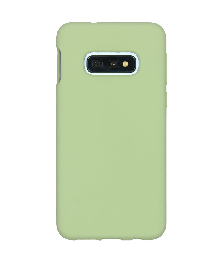 Accezz Liquid Silicone Backcover Samsung Galaxy S10e - Groen