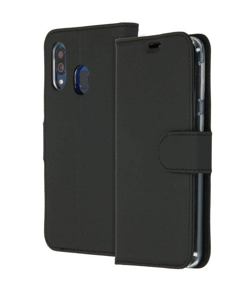 Accezz Wallet Softcase Booktype Samsung Galaxy A40 - Zwart