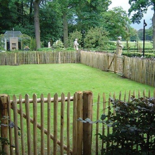 Kastanje hekwerken en poorten