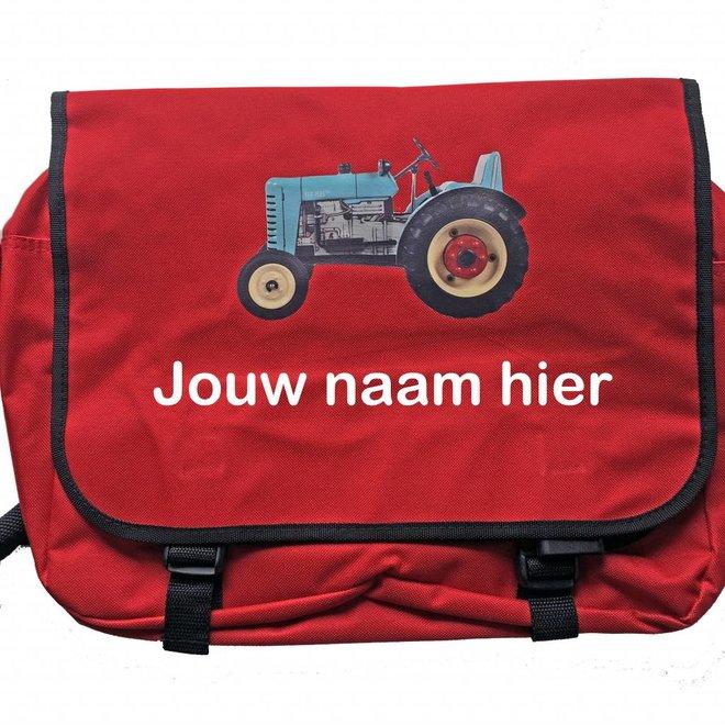 Reportertas met tractor en naam | rood