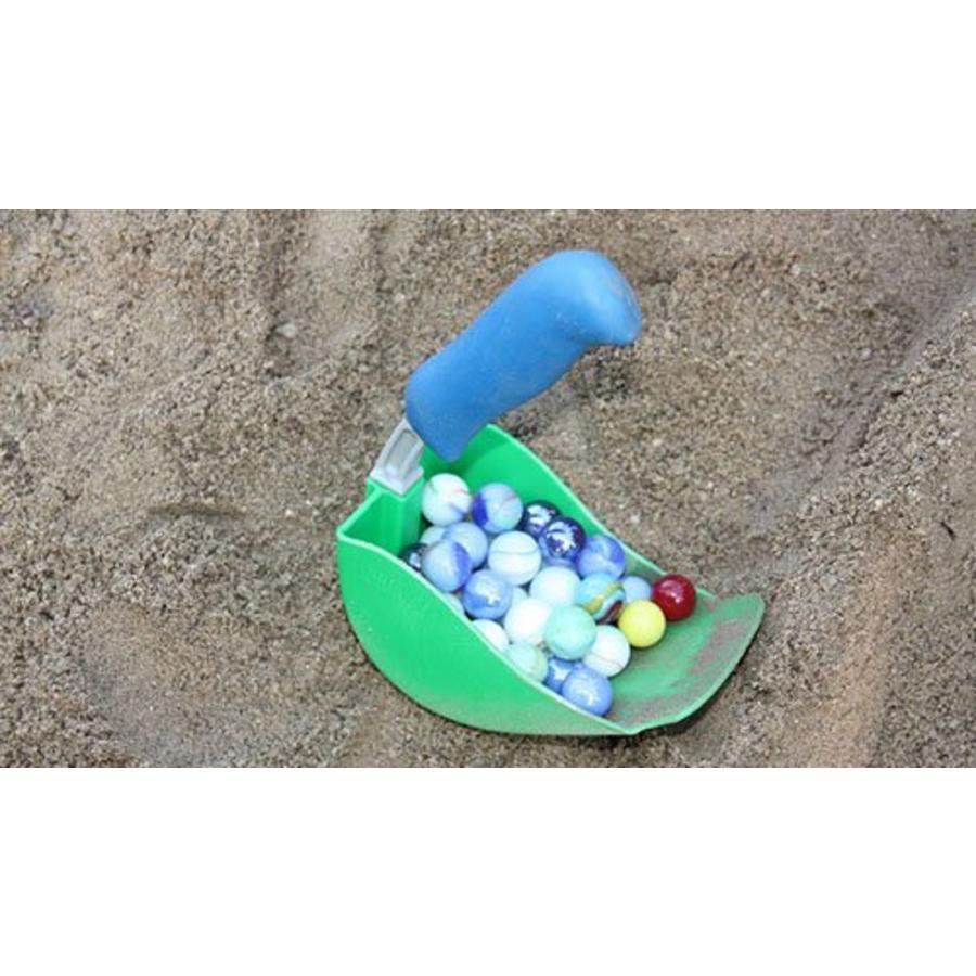 Super shovel scoops in green