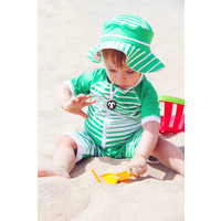 thumb-UV baby sun hat in green / white | Aruba-2